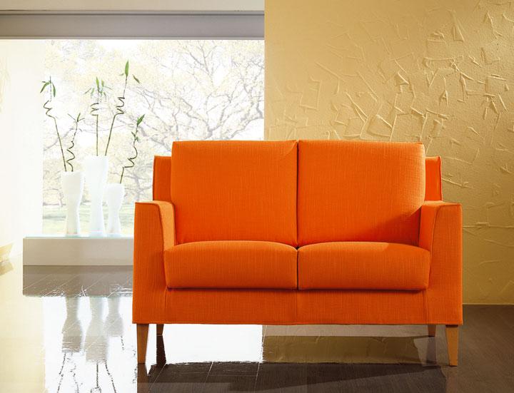 Tavoli sedie divani e poltrone for Poltrone e sedie