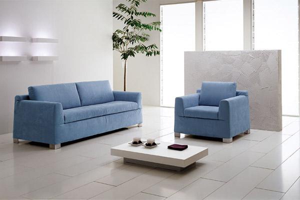 Tavoli sedie divani e poltrone